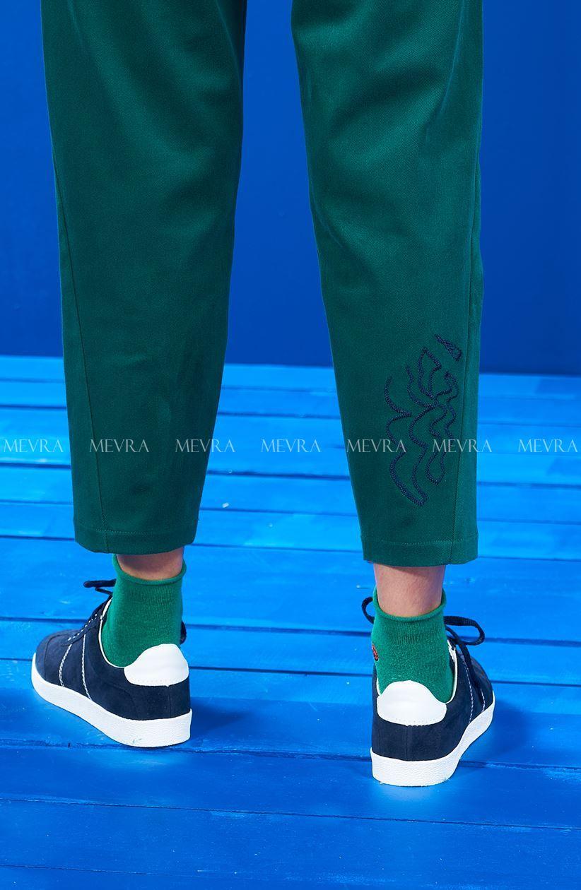 Yeşil Beli Lastikli Nakışlı Pantolon